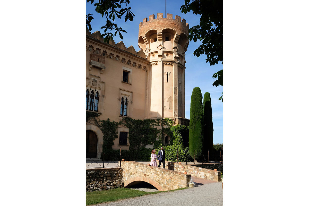 Civil ceremony in the castle sant marcal 15