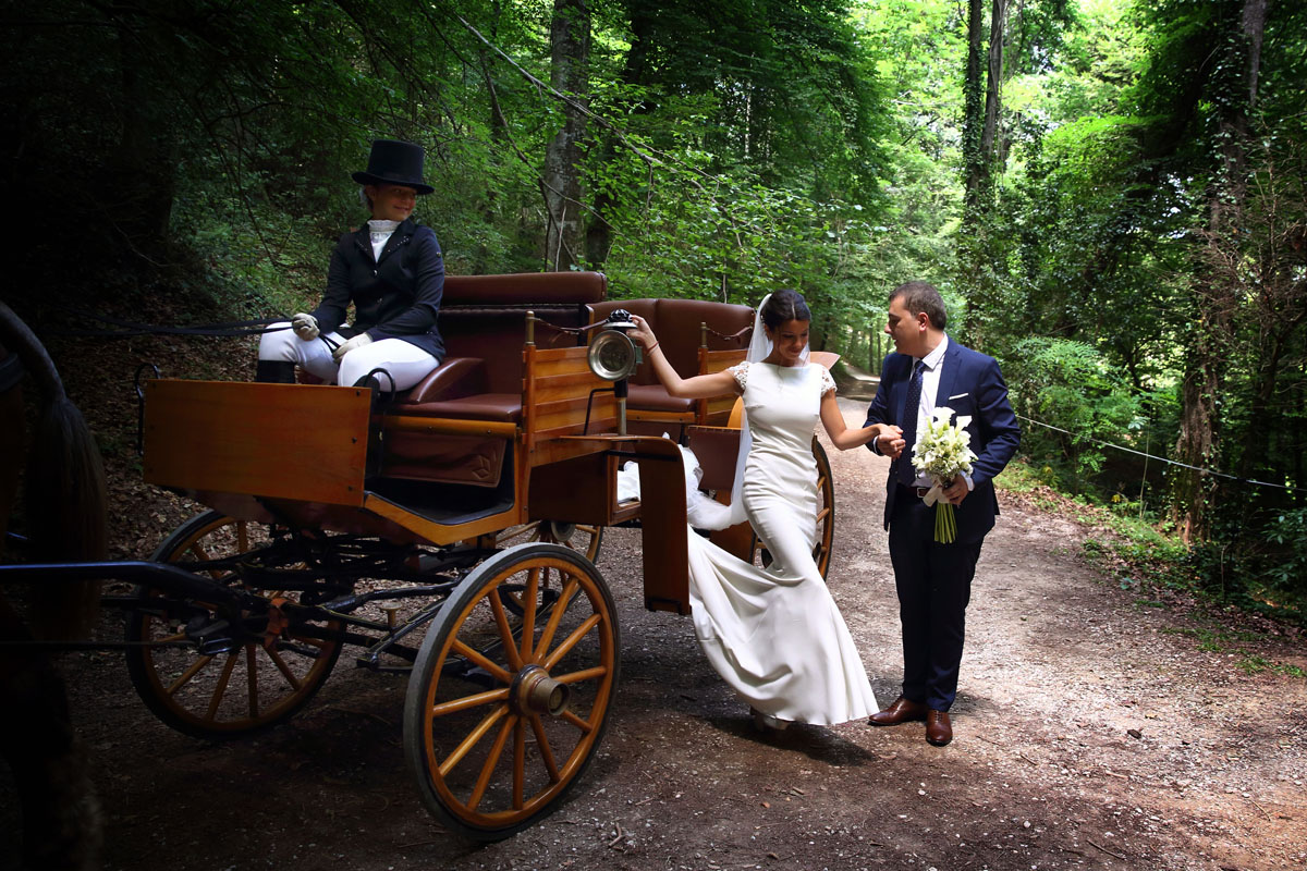 Romantic wedding in the forest 21