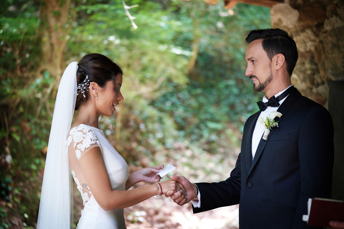 Romantic wedding in the forest 29