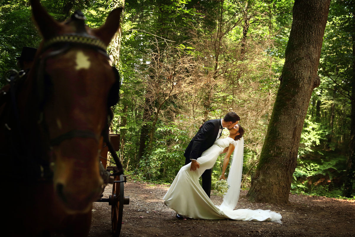Romantic wedding in the forest 43