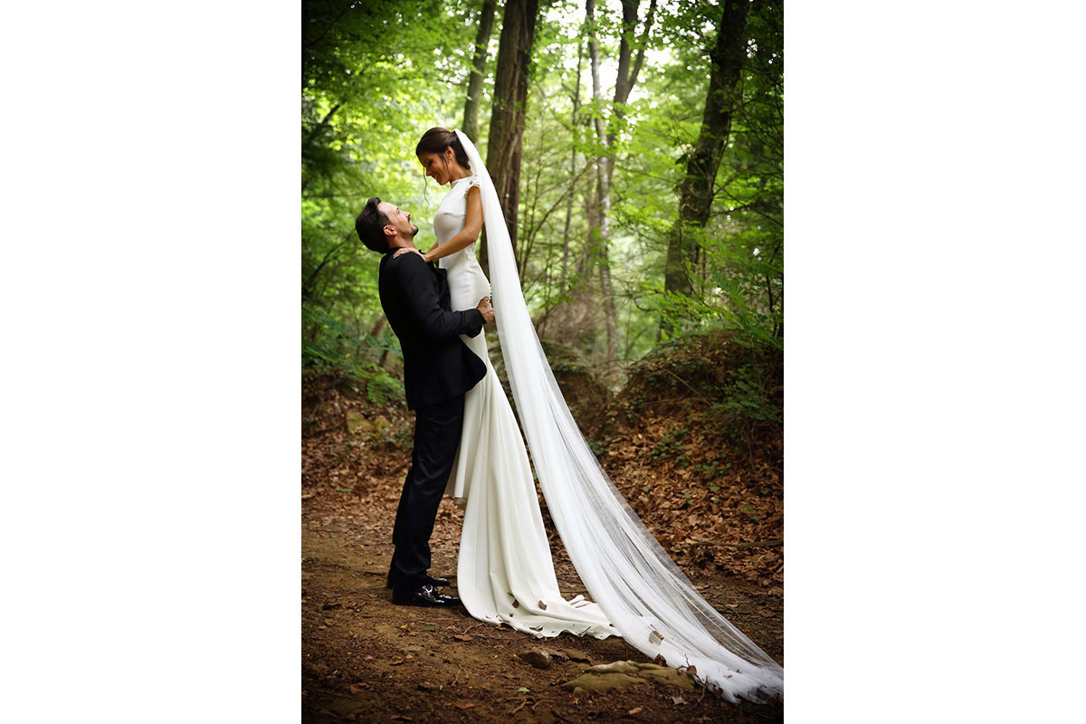 Romantic wedding in the forest 47