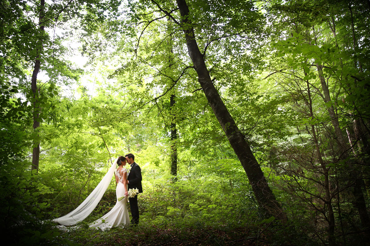 Romantic wedding in the forest 51